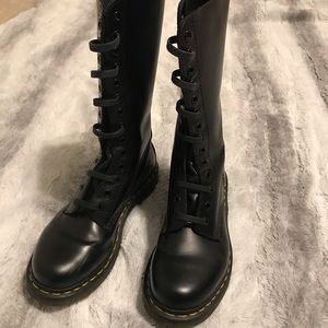 Dr. Martens Black Leather 1914W Boots 7 US